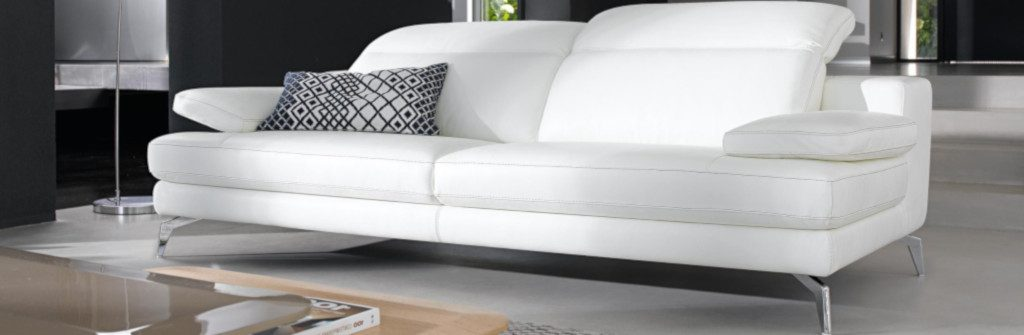 canapé droit en cuir de buffle blanc